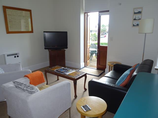 Highbury Apartments - Apartment 3