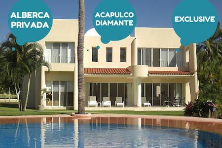 Acapulco DIAMANTE Villa, Great Locn
