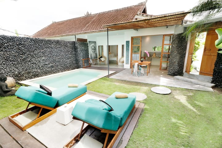1 BR Apartment with private pool No.14 Canggu Bali