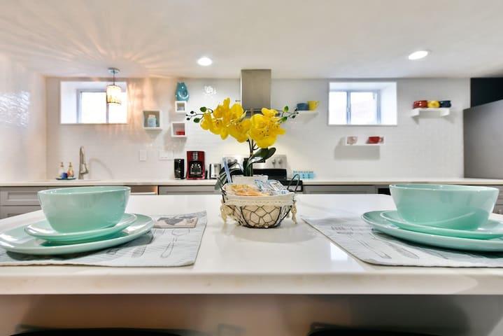 Modernized Vintage Airbnb