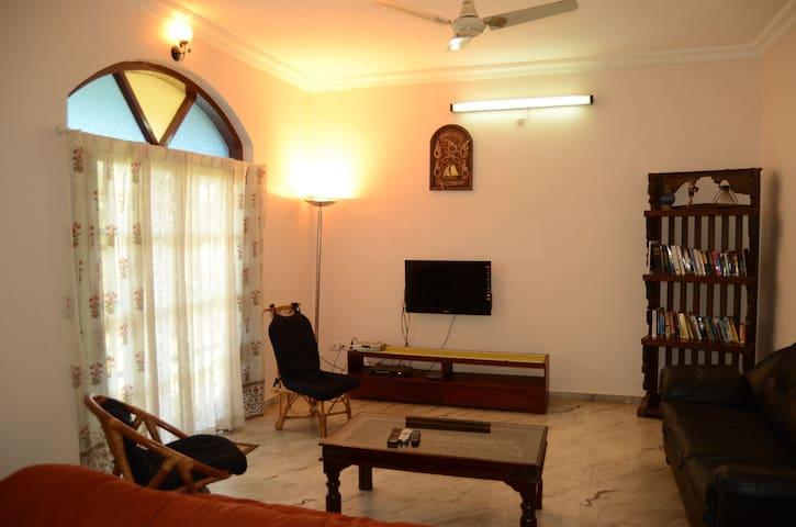 Beautiful 3 Bedroom Sagar Villa next to the Beach - Goa - Villa