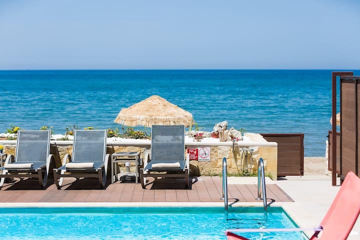 Espera Luxury Beach Front Residence!