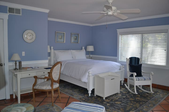 Nantucket at The Kate Stanton Inn - Encinitas - Bed & Breakfast