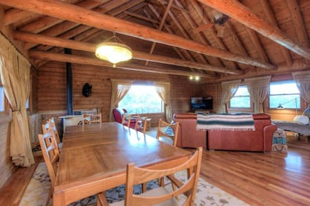 Manzanita Manor - Secluded Large Family Cabin