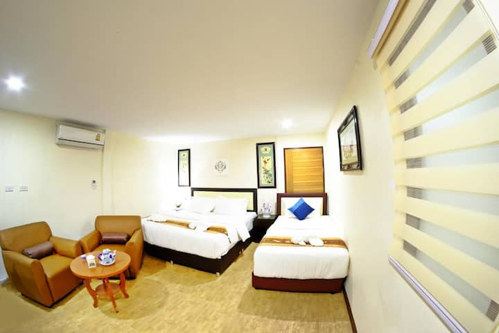 Family room for 3 WIFI A/C Sasi@walking street