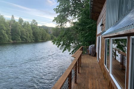 Restored, rustic, modern cabin ON THE RIVER!