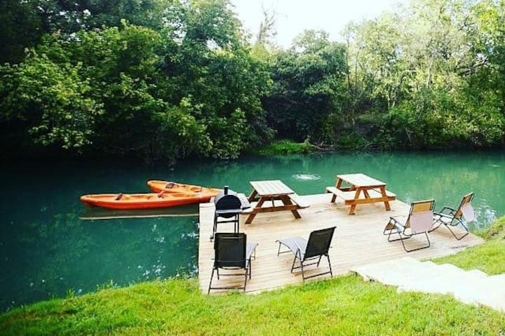 WOW! Cabin on Beautiful Creek! Swim, Fish, Kayak, Paddleboard, Hot Tub!