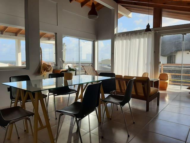 Casa no Hermenegildo com vista para o mar