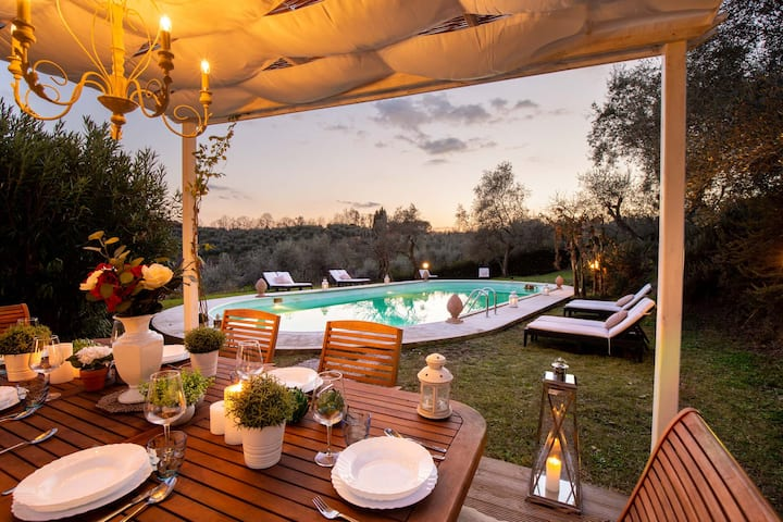 VILLA CARDUCCI a Rustic Retreat on the Lucca Hills