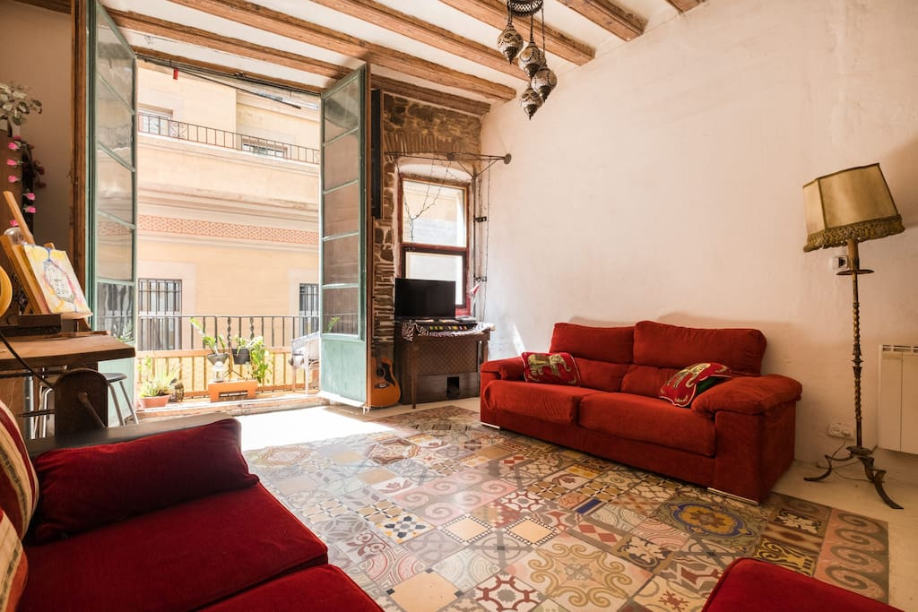 eclectic home in the heart of city centre sleeps4 appartements louer barcelone catalunya. Black Bedroom Furniture Sets. Home Design Ideas