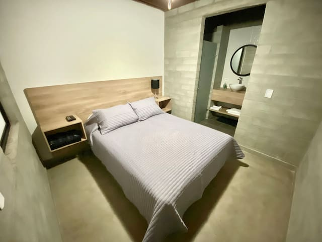 Hospedaje San Diego,  habitación y baño privado