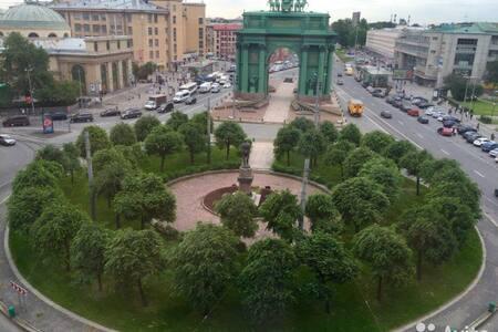 Отличная комната у Нарвских ворот! - Sant Petersburg - Pis