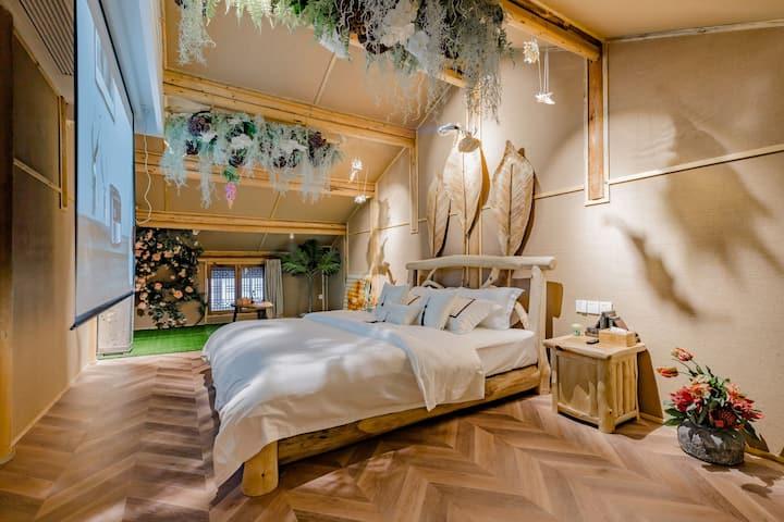 【颜语】都江堰景区旁南桥边中央空调大投影浪漫情调双层木屋