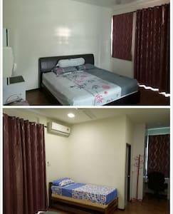 Family room in Kota Sentosa (near airport) - Kota Samarahan - 一軒家