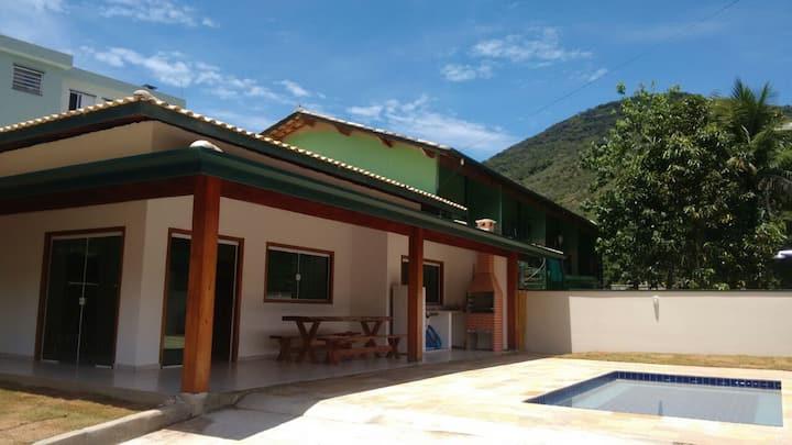 Casa com piscina e churrasqueira, 3 Dorm, Suíte
