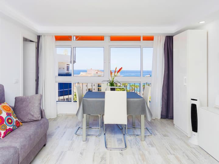 63.First sea line Los Cristianos, parking, wifi, dishwasher