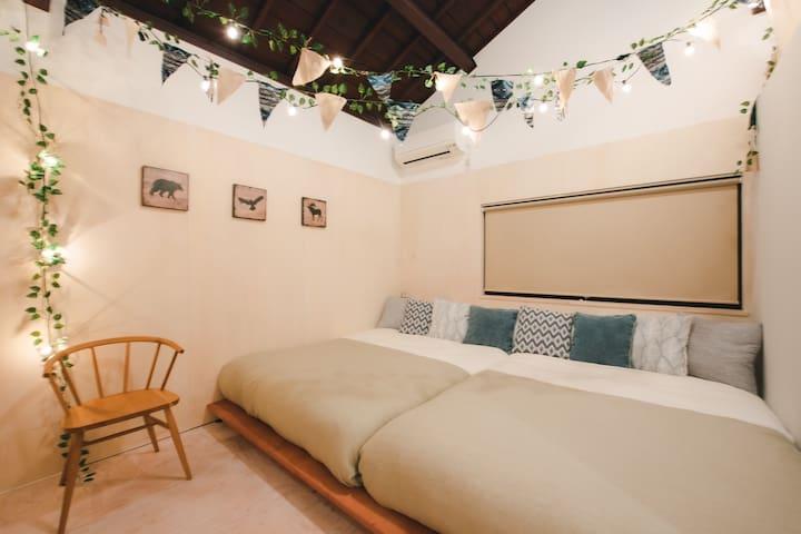 Gramping Bedroom2