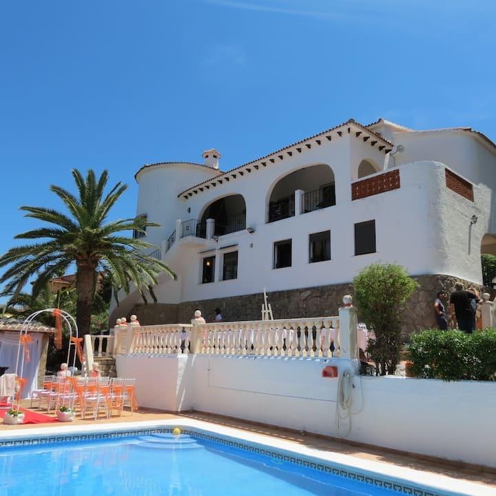 Villa Kenchico Javea private pool sleeps> 14.
