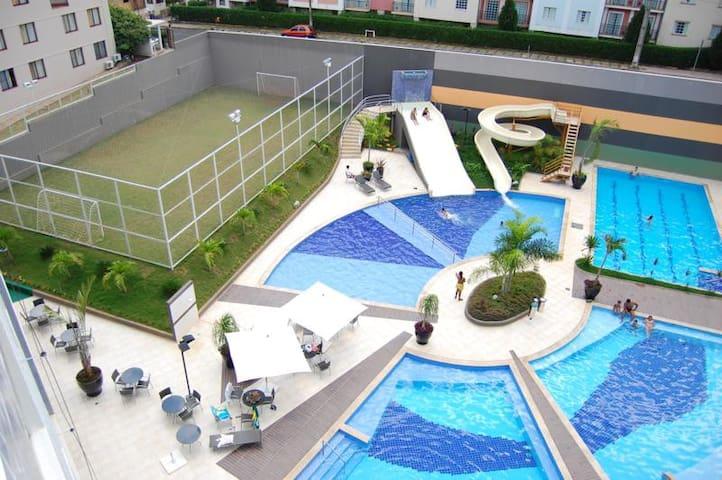 Luxuoso Veredas do Rio quente Ap para 5 Pessoas