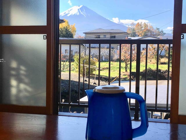 You can see good Fuji view in this room.