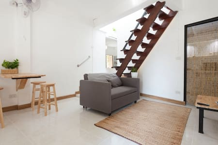 Basic&Cozy townhouse close to Nimman and Old town