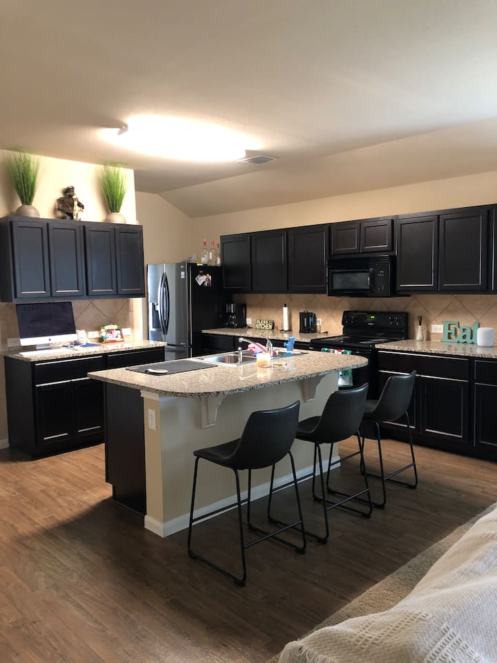 Quiet and Private Stay Near Central Austin