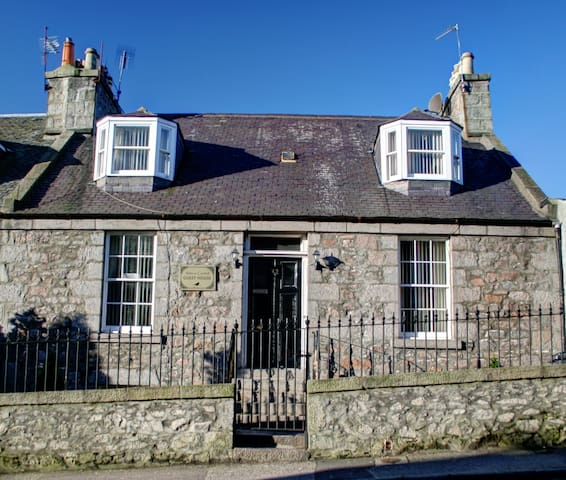 Atticus Central Guest House, double - Aberdeen - Bed & Breakfast