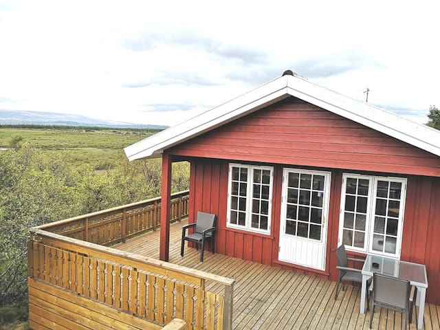 Amazing cabin with hot tub, close to Egilsstadir
