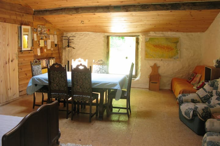 Pilgrims' Nest, a travellers' haven