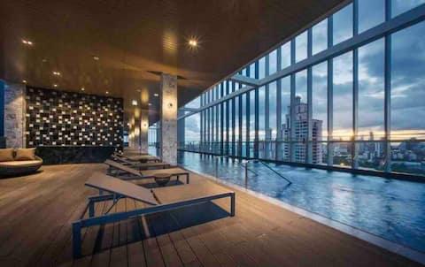 Luxury 1BR/Center BKK+CBD/BTS PhromPhong