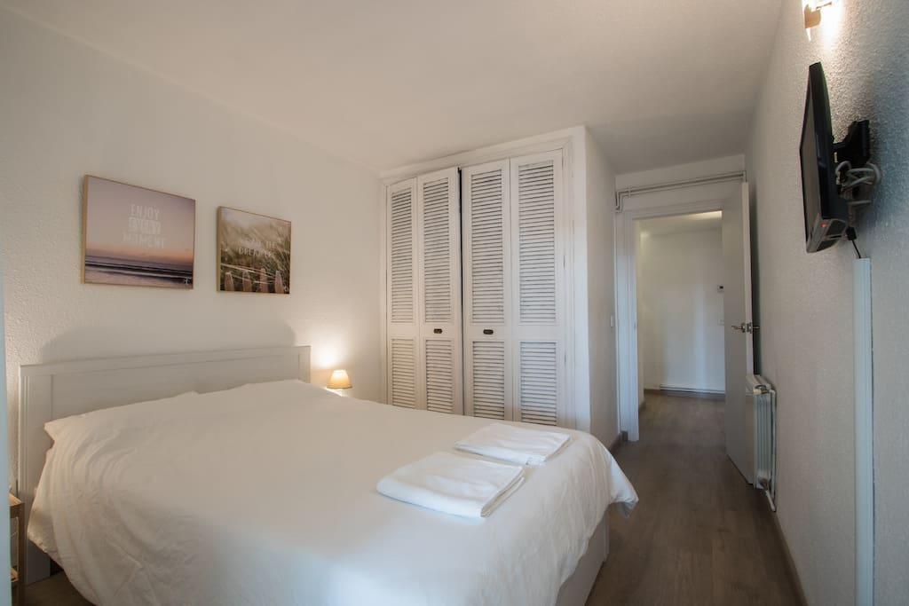 1ª Habitacion con cama de matrimonio