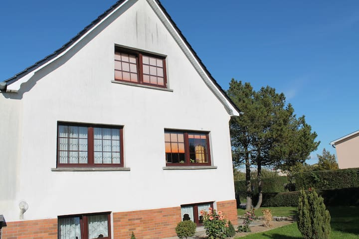 Charming Apartment in Kühlungsborn with Parking