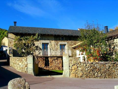 Village près Font-Romeu - ancienne ferme rénovée