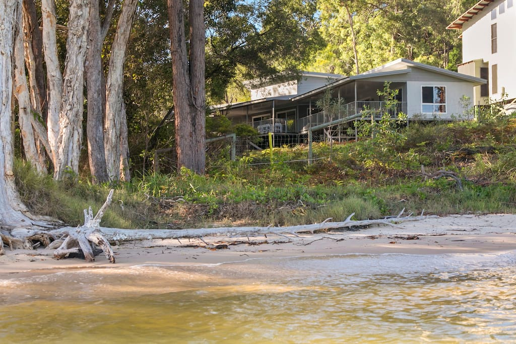 No other House is closer to the Beach or the Resort. No car (or 4WD) needed.
