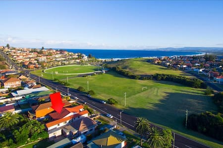 Seaside hidden gem near pristine Port Kembla Beach - Port Kembla