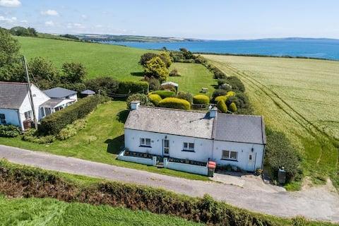 Idyllic Coastal Cottage on Wild Atlantic Way