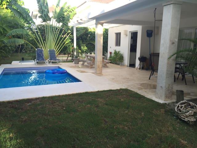 En villa renta habitación completa - Punta cana Village  - Rumah