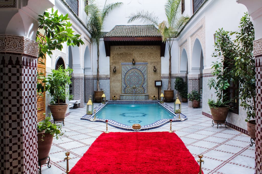 Riad calme et luxueux avec piscine guest houses louer for Riad essaouira avec piscine