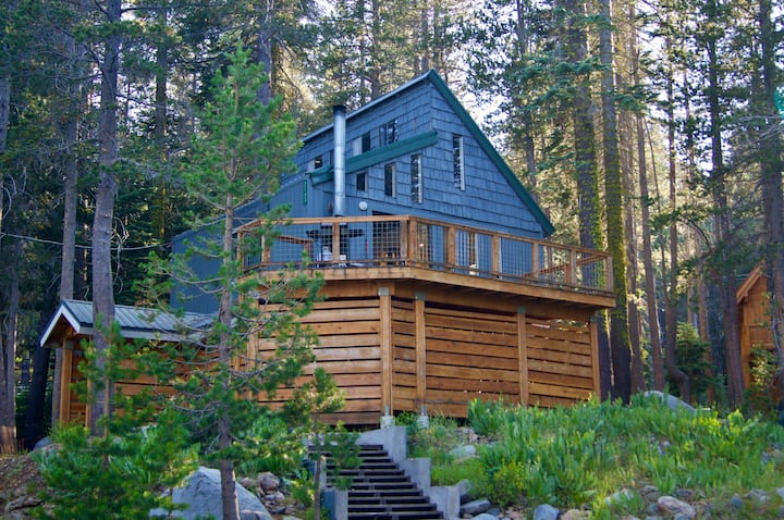 Sweet Serene Lakes Getaway with Lakeview