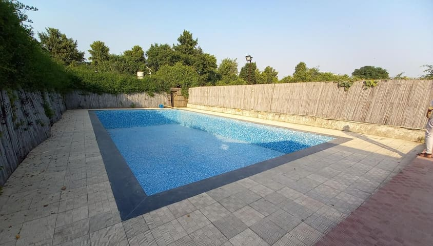2 Bhk farm with pool for partiez for 30 people