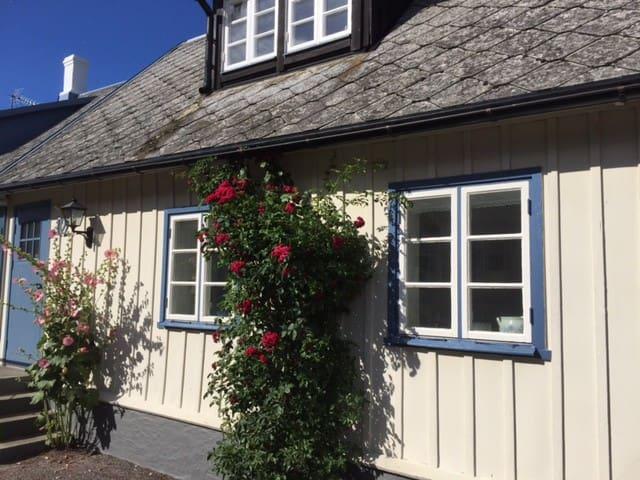 Gathus i Kivik nära havet!! - Simrishamn N - Hus