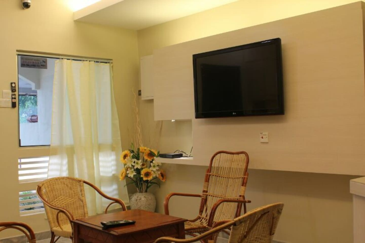 Lobby with 40 inches TV with Astro.