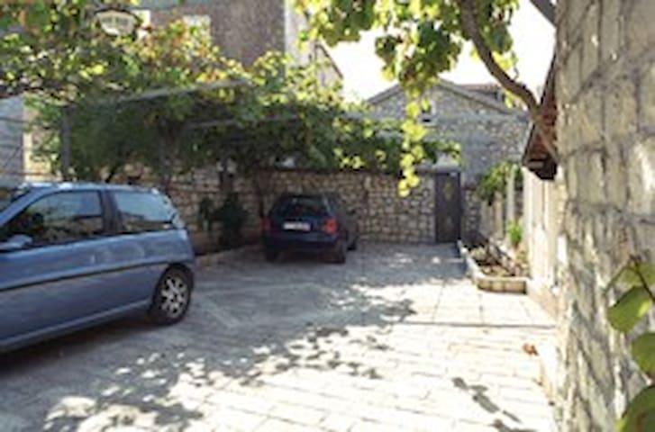 Villa Nikoleta - Supetar - Apartamento