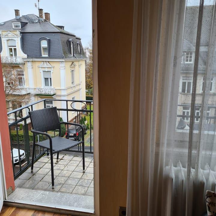1-Zimmer Apartment mit eigenem Balkon