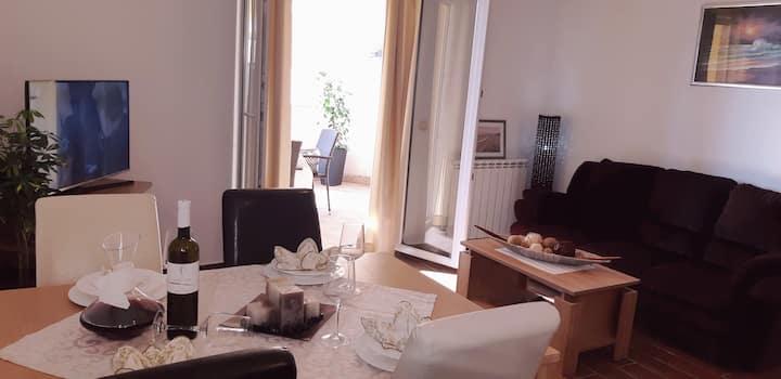 "Apartments Lili ""Amore"", Sukošan"
