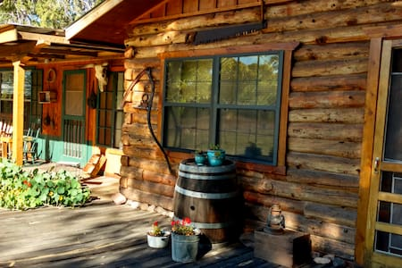 Agave Log Cabin - Rustic Log Cabin Near Creek, Surrounded by Nature