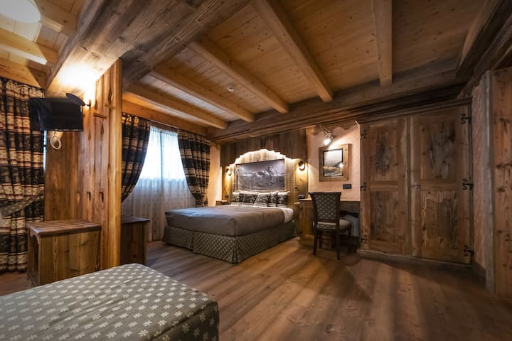 New Year special offer -25%: Catered chalet with private SPA walking distance from slopes