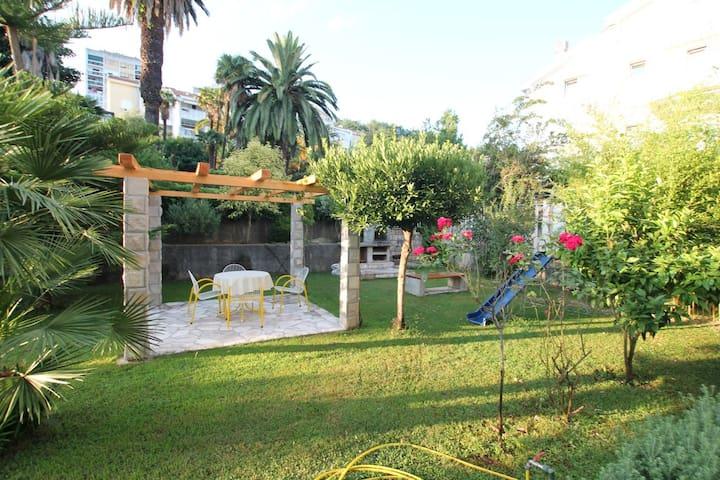 3 bedrooms apartment with garden and sea view - Herceg - Novi - Apartamento