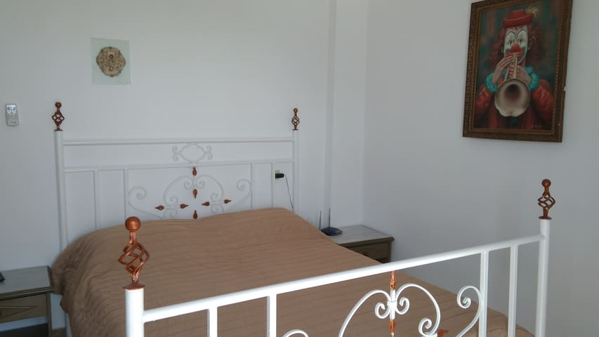 quiet and comfortable home in Ermoupolis -5 people