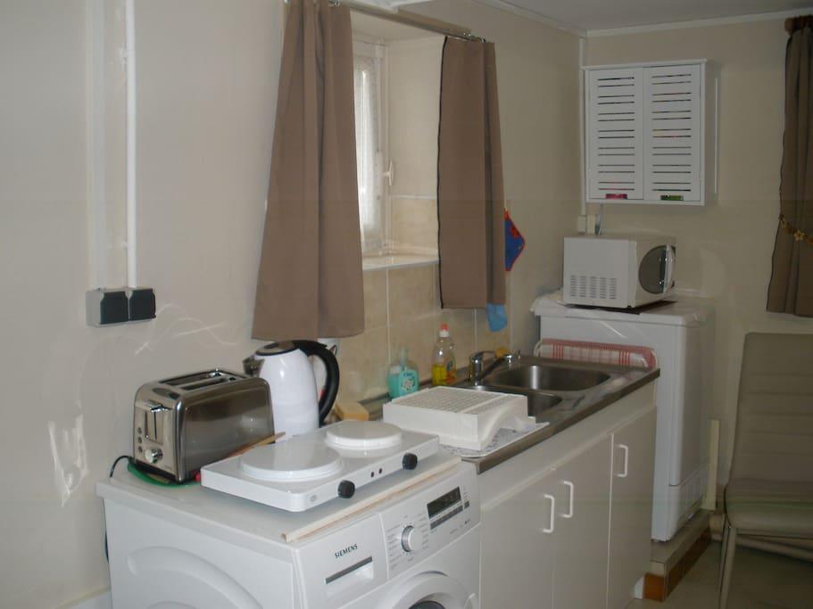 ustensiles de cuisine; vaisselle et couverts